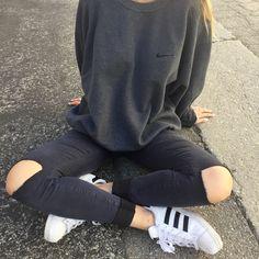 Image of Vintage Nike Sweatshirt - Fits Size S/M/L (Unisex)