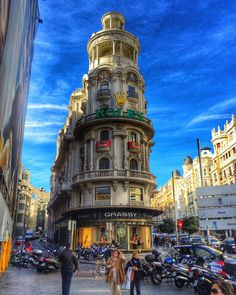 Sunny Black Friday in Madrid #spain #espana #travel #travelblog #travelgram #travelling #travelphotography #wanderlust #streetphotography #scenery #citylife #architecturelovers #cityscape #architectureporn #archilovers #street #madrid #skyporn #bluesky #love_all_sky #world_bestsky #architecture  #hdr_lovers #buildings #instaphoto #architexture #hdr_pics by simchiras