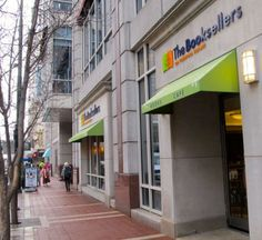 Review of the Booksellers on Fountain Square by 355 Things to do in Cincinnati!