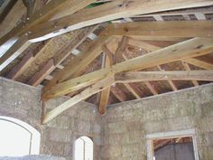 http://www.deepgreenarchitecture.com/images/strawbale/straw-bale-timber-frame-detail-big.jpg