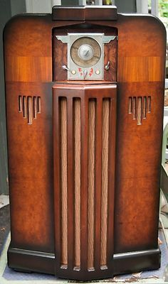 Art Deco Midwest 6 Band Wood Console Vacuum Tube Radio -- L@@K!!!