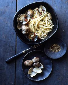 Cracked black pepper and red-pepper flakes give bite to a fragrant, briny clam broth. Pancetta and lemon zest balance out the heat in this hearty linguine supper.