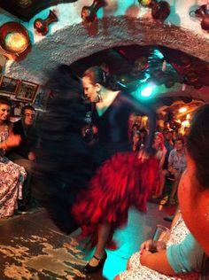 Flamenco en las cuevas (caves) Albayzin Spain And Portugal, Architecture Old, Photo Journal, Sierra Nevada, The Province, Moorish, Film Industry, Spain Travel, South America