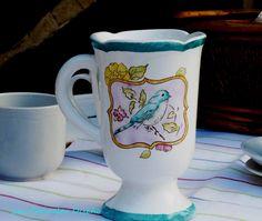 Taza de porcelana pintada a mano