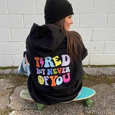 Cute Fall Outfits, Stylish Outfits, Hoodie Outfit Casual, Trendy Hoodies, Winter Hoodies, Printed Sweatshirts, Cool Shirts, Distortion, Athleisure