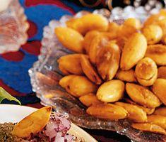 Här är ett busenkelt och smarrigt recept på saltrostade mandlar. Ett utsökt och nyttigt godis eller tilltugg. Allt du behöver är sötmandel, en skvätt olja och flingsalt!