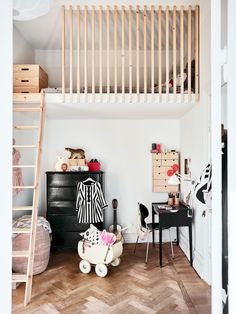 The Advantages of a Loft Bed in a Kids Room Little Girls Room Advantages bed Kids Loft room Kids Bedroom, Bedroom Decor, Small Bedrooms Kids, Bedroom With Loft, Small Childrens Bedroom Ideas, Bedroom Bed, Small Rooms, Nursery Decor, Mezzanine Bedroom