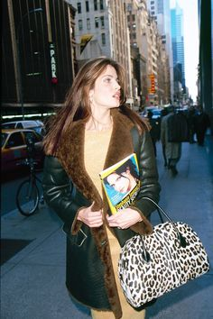 Model street style is huge right now, but were supermodels the original stars? See their inspiring outfits here. Today's Fashion Trends, Fashion Casual, 90s Fashion, Woman Fashion, Street Fashion, Latest Fashion, Naomi Campbell, Claudia Schiffer, Model Street Style