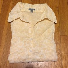 ANN TAYLOR - S/S blouse Yellow & white light sheer s/s blouse. 100 % cotton w waist darts in front/back, fitted fit. Worn but still has a lot of life left, EUC. Wrinkled in photo but no holes or stains. Flat measurements arm pit to arm pit 19, shoulder to hem 21. Perfect for the office paired w a blazer or cardigan. Reasonable offers made through the offer button only. Ann Taylor Tops Blouses