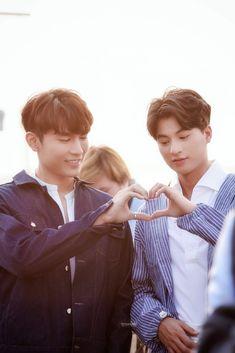Boyfriend Photos, Gay Aesthetic, Korean Boys Ulzzang, Drama Fever, Love Scenes, Cute Gay Couples, K Pop Star, Thai Drama, Beautiful Person