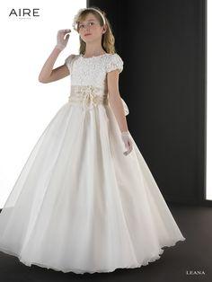 Vestido de comunión colección Aire Barcelona LEANA, todos los vestidos en Odet Saüc, tu tienda de vestidos de novias, comunión, fiesta... al mejor precio