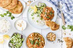 Indian Butter chicken: een heerlijk gerecht met kip in een licht gekruide tomatensaus dat je een keer geprobeerd moet hebben! Bekijk hier ons recept! Great British Menu, Cold Oats, Biryani Chicken, Fish Wrap, Strawberry Bars, Types Of Sandwiches, Flat Iron Steak, Indian Butter Chicken, Asparagus Soup