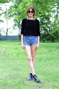 26 Le Fashion Blog 40 Of Alexa Chung Best Looks With Denim Shorts Braid Pig Tails Cat Eye Sunglasses Swearer Jean Cut Offs Festival Style Via Refinery29