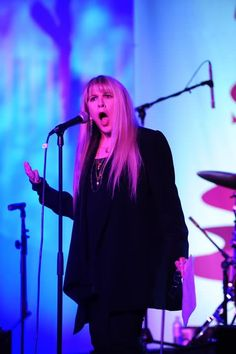 Stevie nicks trouble in shangri la stevie pinterest stevie nicks attends the sunset sessions qa and meet greet and sings carousel with vanessa carlton february 2011 video x m4hsunfo