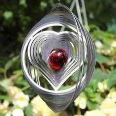 Edelstahl Windspiel Herz im Kreis - Decoration with wind chimes Wind Spinners, Wind Chimes, Plants, Diy, Decor, Craft, Pendants, Spirals, Home And Garden