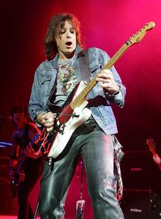 """Warren DeMartini - He may as well be known as """"the only hair band guitarist from the 80s that I actually liked DURING the 80s."""""""