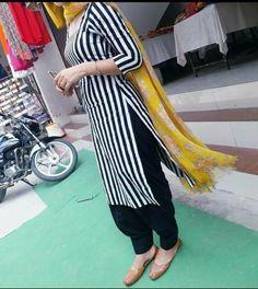 Patiala Salwar Suits, Indian Salwar Suit, Shalwar Kameez, Churidar, Indian Fashion Trends, Punjabi Fashion, Fashion Ideas, Pakistani Designer Suits, Indian Designer Wear