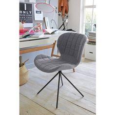 Lot de 2 chaises design OMG ZUIVER. A la fois design et confortables ! la coque de ces chaises est matelassée et offre ainsi une assise moelleuse et agréable. Pour sublimer le tout, cette assise repose sur un piétement original en métal. Ce produit vous est proposé par lot de 2 chaises, de même coloris.