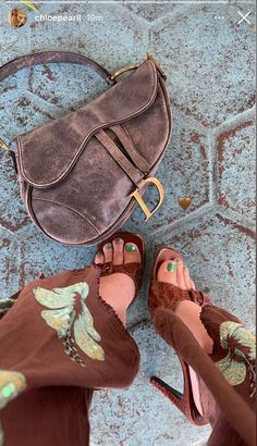 Grunge, Dr Shoes, Fashion Outfits, Womens Fashion, Fashion Trends, Fashion Details, Brown Aesthetic, Looks Vintage, Summer Girls