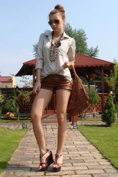 brown-leather-short