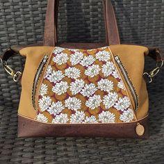 Audrey Leroy sur Instagram: Voilà un modèle de sac que j'avais envie de faire depuis quelques temps... C'est chose faite ! C'est un modèle Java de @patrons_sacotin…