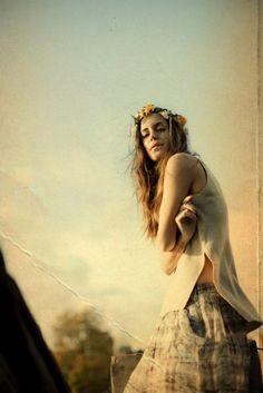 Colour palette is amazing. by Noela Roibas Hippie Bohemian, Hippie Style, Bohemian Style, Boho Chic, Hippie Masa, Hippie Peace, Gala Gonzalez, Surf Girls, Portrait Inspiration