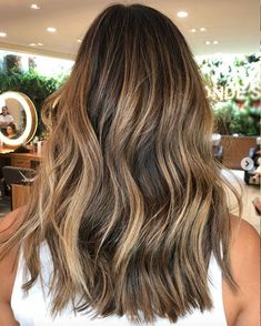 Caramel Hair Color is Trending for Fall—Here Are 15 Stunning Examples to Bring to Your Colorist Hair Color_Beachy Caramel Brown Hair Balayage, Brown Ombre Hair, Brown Blonde Hair, Brown Hair With Highlights, Light Brown Hair, Ombre Hair Color, Brown Hair Colors, Hair Colors For Fall, Red Hair