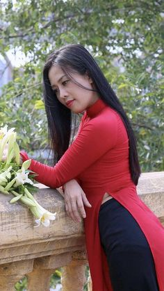 91 #platino #artist Vietnamese Traditional Dress, Vietnamese Dress, Traditional Dresses, Ao Dai, Asian Woman, Asian Girl, Asian Ladies, Indian Girls Images, Curvy Girl Fashion