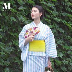 Japanese Yukata, Traditional Japanese Kimono, Traditional Fashion, Japanese Outfits, Traditional Outfits, Geisha Art, Yukata Kimono, Korean Hanbok, Kimono Pattern
