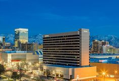 Save on Radisson Salt Lake City Downtown for RootsTech - Salt Lake City Hotels, Salt Lake City Airport, Salt Lake City Utah, Radisson Hotel, Homewood Suites, Salt Lake Temple, Downtown Hotels, Plaza Hotel, House In The Woods