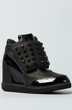 Jeffrey Campbell The Studded Teramo Sneaker in All Black Jeffrey Campbell, http://www.amazon.com/dp/B00B95QF90/ref=cm_sw_r_pi_dp_StEfrb18WDTN3