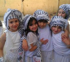 Palestinian girls - they are so cute. Kids Around The World, We Are The World, People Around The World, Precious Children, Beautiful Children, Beautiful People, Little People, Little Ones, Little Girls