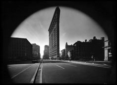 Elliott Erwitt - New York City. Flat Iron Building, 1969, Silver gelatin print