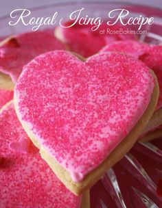 Royal Icing Recipe for Valentines Cookies Valentines Day Cookies, Easter Cookies, Cupcake Cookies, Sugar Cookies, Cookies Et Biscuits, Cookie Favors, Baby Cookies, Flower Cookies, Heart Cookies