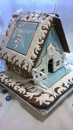 Winter Gingerbread House White and blue Пряничный домик Изморозь Christmas Gingerbread House, Christmas Sweets, Christmas Baking, Gingerbread Cookies, Christmas Cookies, Christmas Holidays, Christmas Crafts, Christmas Decorations, Gingerbread Houses