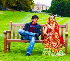 "Shah Rukh Khan & Rani Mukherjee - The king and the queen of Bollywood in ""Kabhi Alvida Naa Kehna"" Bollywood Outfits, Bollywood Couples, Bollywood Stars, Bollywood Fashion, Bollywood Actress, Shah Rukh Khan Movies, Shahrukh Khan, Srk Movies, Hindi Movies"
