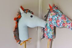 Project idea from C'est la vie: make your own stick horses for a kids birthday party!