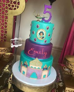 Jasmine inspired cake for Emily's birthday celebration. Jasmine Birthday Cake, Aladdin Birthday Party, 25th Birthday Cakes, Princess Birthday, Birthday Celebration, 25 Birthday, Princess Jasmine Cake, Jasmine Disney, Jasmin Party
