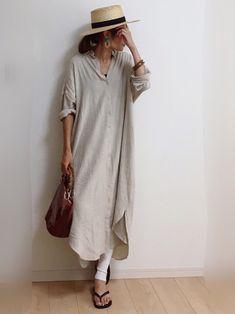nicoさんのコーディネート Women's Casual Looks, Natural Clothing, Japan Fashion, Linen Dresses, Skirt Fashion, Fashion Brand, Grandmothers, Sliding Door, Shirtdress