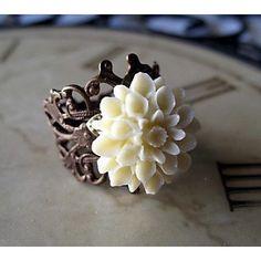 Ivory Chrysanthemum <3<3<3