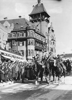 IIIReich annexation 'Anschluss' of Austria entry of 'Wehrmacht' into Austria 12 march 1938 Enthusiastically welcomed german troops stage parade in...