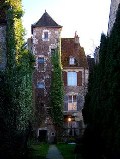 "visitheworld: "" Maison ancienne en Gray, Franche-Comte / France (by mexicori). """