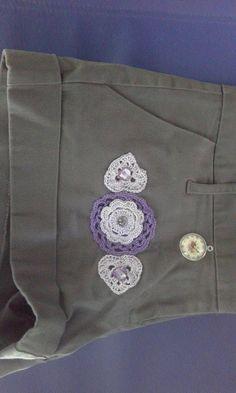 Pantaloncini corti rimodernati con applicazioni all'uncinetto 2 di uncinettotuttomatto su Etsy