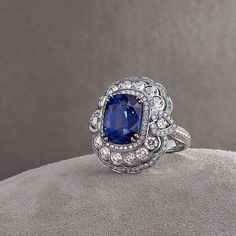 Jewelled Vault sapphire ring from the House of Garrard. Gold Diamond Wedding Band, Vintage Diamond Rings, Rose Gold Stackable Rings, Sapphire Jewelry, Sapphire Rings, Gemstone Rings, Just For You, Metallica, Gemstones