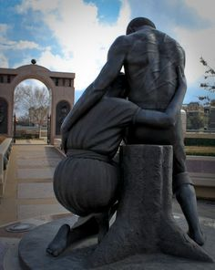 Rear view - David Newton has dedicated his career to transforming ordinary African American people and forgotten historical moments into unforgettable, timeless monuments of beauty. Newton's superb memorial guarantees that these formerly lost souls will forever be remembered in the universally honored spirit of triumph over adversity. This is a sentiment that all of humanity admires, and because David Newton, this admiration shall continue for centuries to come.