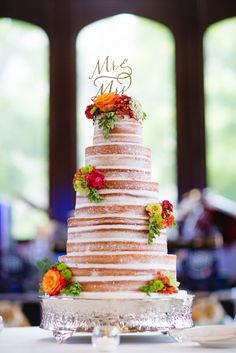 naked wedding cake - Image by: Morgan Matters | http://jessicadum.com/portfolio/meredith-kevin/