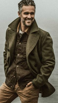 Taylor Stitch - Men's fashion, style shapes and clothing tips Gq Style, Gq Mens Style, Rugged Mens Style, Gentleman Mode, Gentleman Style, Look Fashion, Winter Fashion, Mens Fashion, Rugged Fashion