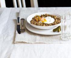 Čočka na kyselo   Recepty Albert Grains, Eggs, Breakfast, Food, Bakken, Morning Coffee, Eten, Egg, Seeds