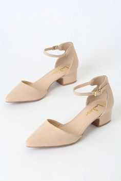 Day or night, the Lulus Lucinda Nude Suede Ankle Strap Pumps will keep you comfortable and chic! Soft vegan suede heels with a pointed toe and ankle strap. Gold Chunky Heels, White Strappy Heels, Black High Heels, Ankle Strap Heels, Suede Heels, Pumps Heels, Low Heel Wedding Shoes, Low Heels, Accessories