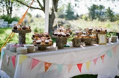 I love the bunting on this table!